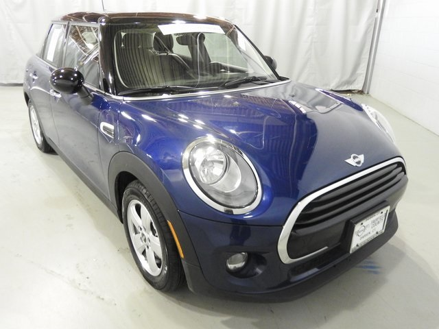 Pre-Owned 2016 MINI Hardtop 4 Door Cooper